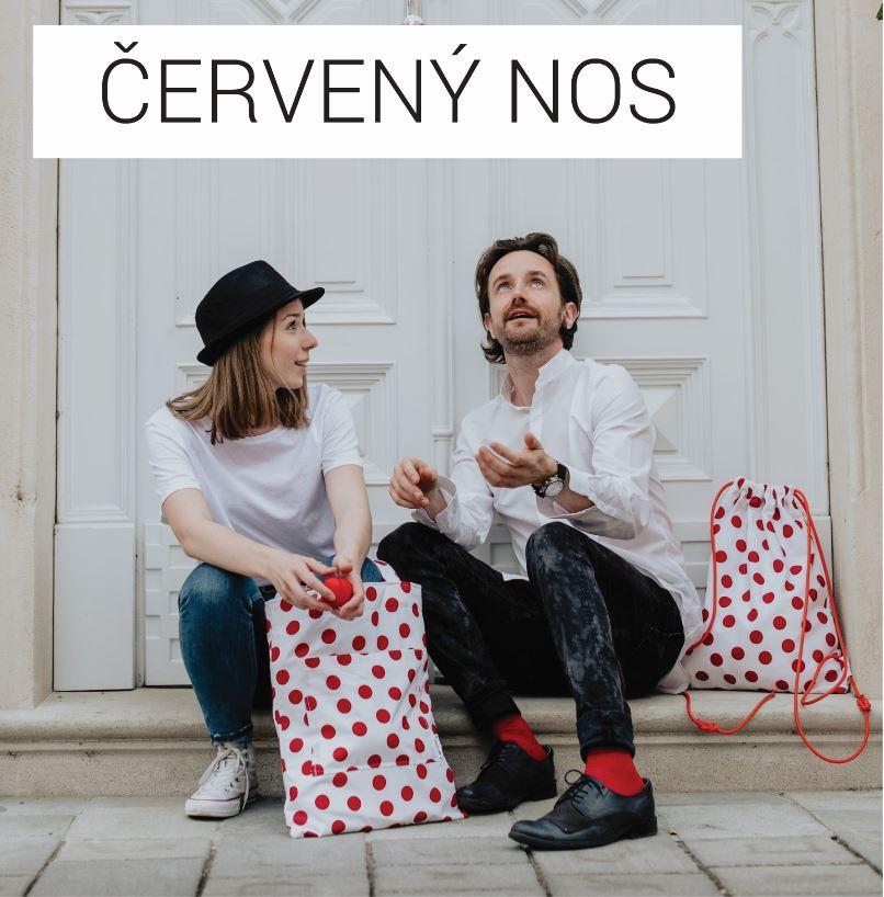 handmade móda dostrim a cerveny nos v edicii, ktora pomaha detskym aj dospelym pacientom vytazkom z predaja